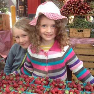 Kids at Lonsdale Farmers Market